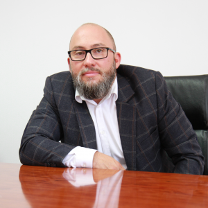 Av. Cosmin Andreșoiu